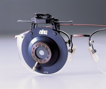 ahg-Flip-Up BLINDER with Iris, for glasses